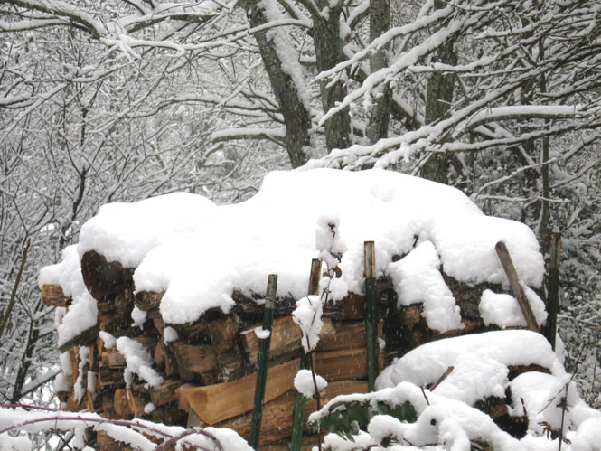 Snow-on-woodpile