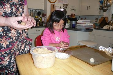 Emma_makes_cookies_1